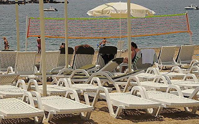 Lycus Beach 9