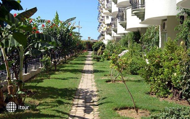 May Garden Club Hotel 3