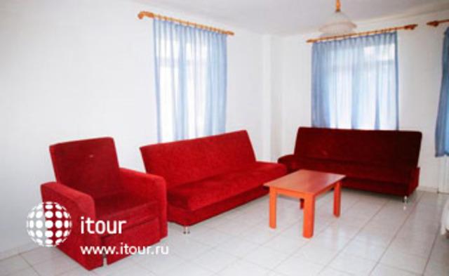 Hotel Huska Plaza 8
