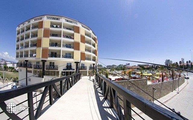 Arabella World Hotel 3