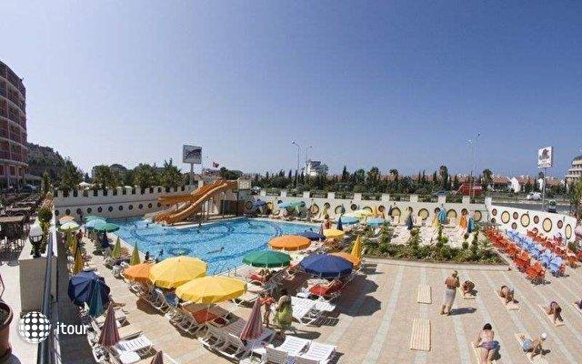 Arabella World Hotel 4