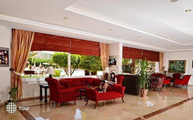 Royal Garden Suite 4