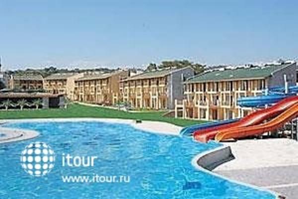 Island Resort 4