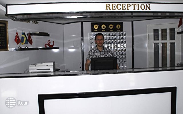Rosella Hotel 9