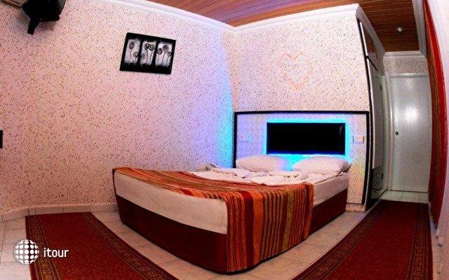 La Vella Hotel 6