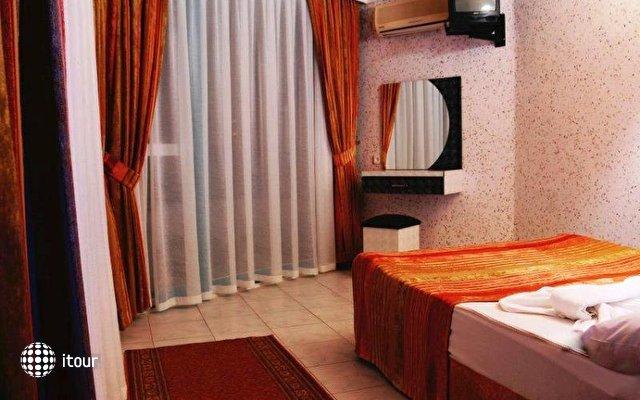 La Vella Hotel 3