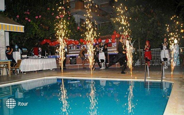 La Vella Hotel 8