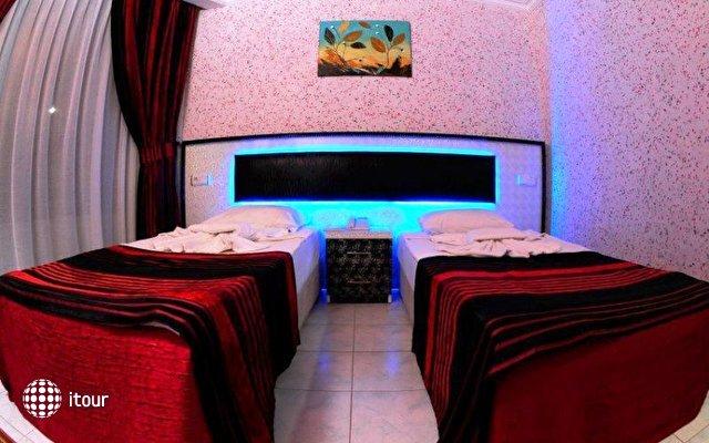 La Vella Hotel 9