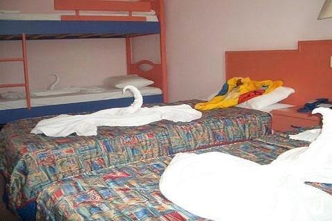 Tropicas Family Hotel 4