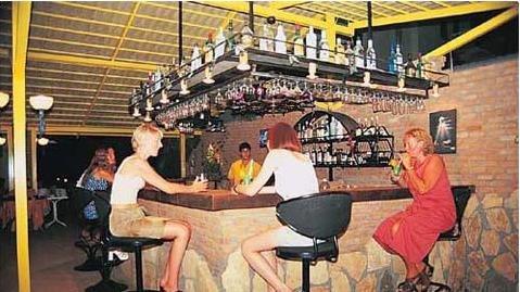 Tropicas Family Hotel 8