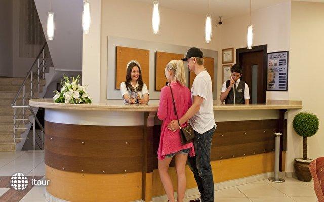 Xperia Kandelor Hotel 9