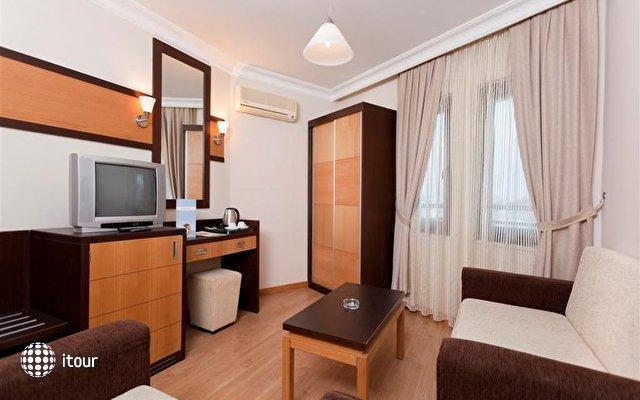 Xperia Kandelor Hotel 10