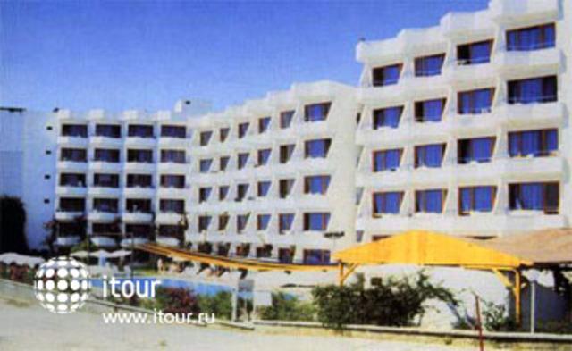 Empire Hotel 5