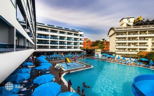 Avena Resort & Spa Hotel (ex. Gold Safran) 3