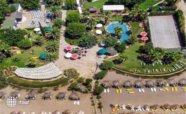 Club Aqua Plaza 2