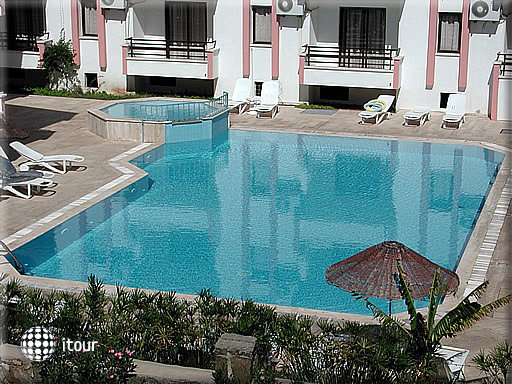 Diplomat Hotel 7