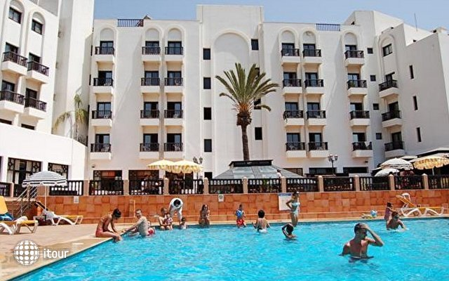 Oasis Hotel 5