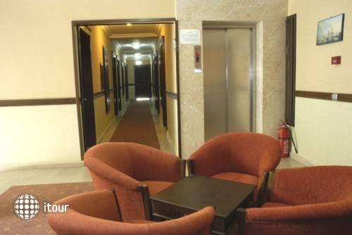 Oasis Hotel 7