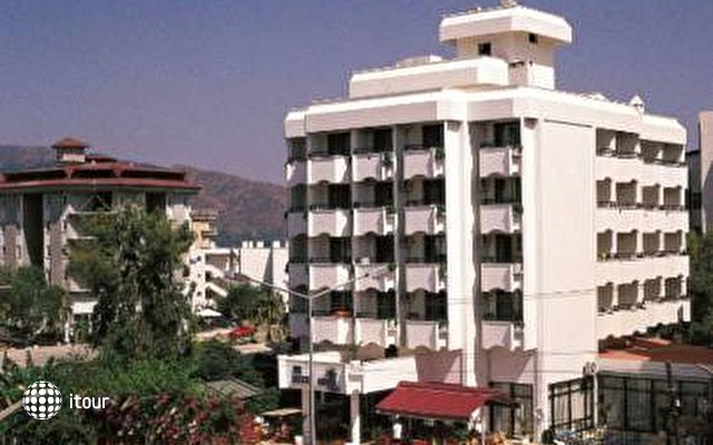 Oasis Hotel 2