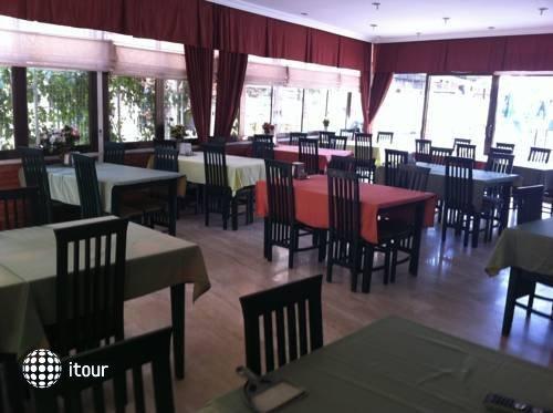 Oasis Hotel 9