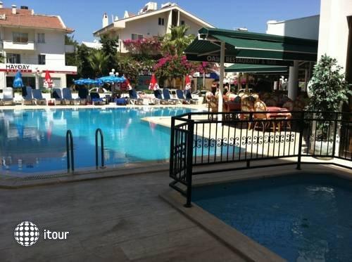 Oasis Hotel 10