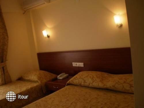 Glory Hotel 4