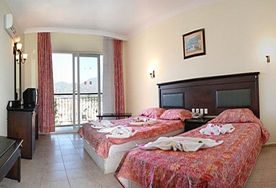 Club Dorado Hotel 3