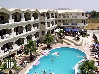 Atlantis Apart Hotel 1