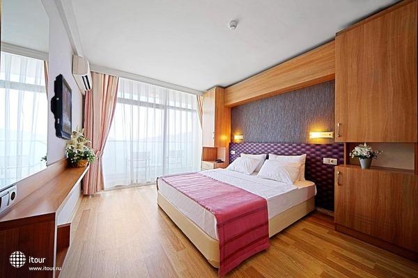 Sol Beach Hotel 4