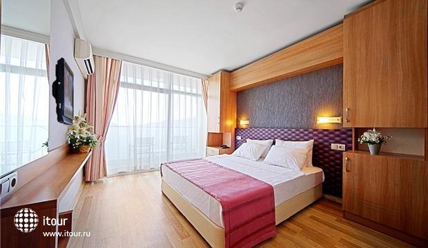Sol Beach Hotel 8