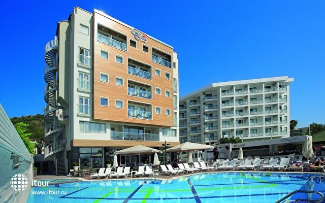 Cettia Beach Resort 1