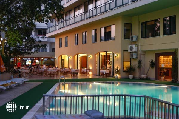 Sun Bay Hotel 10