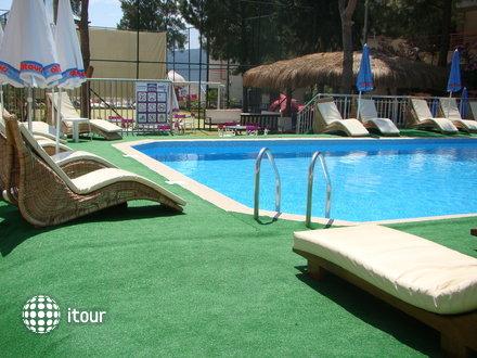 Dora Beach Hotel 3