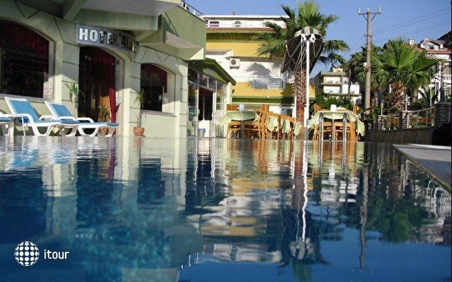 Anerissa Hotel 1