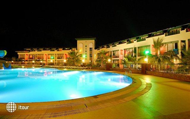 Mirage World Hotel  7