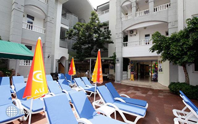 Blue Lagoon Apart Hotel 3