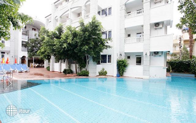 Blue Lagoon Apart Hotel 7
