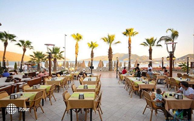 Maris Beach Hotel 3