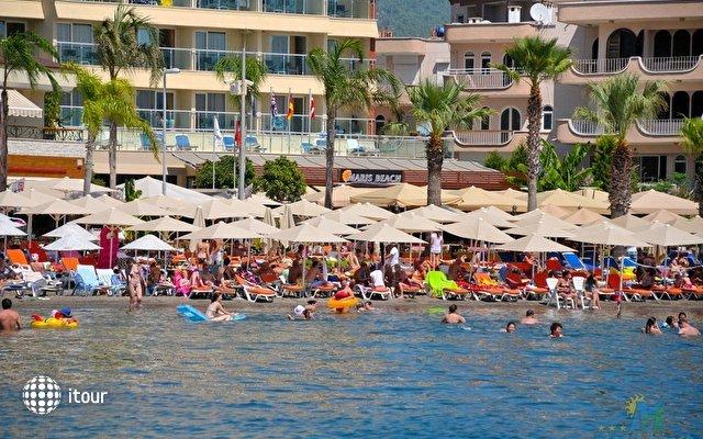 Maris Beach Hotel 1