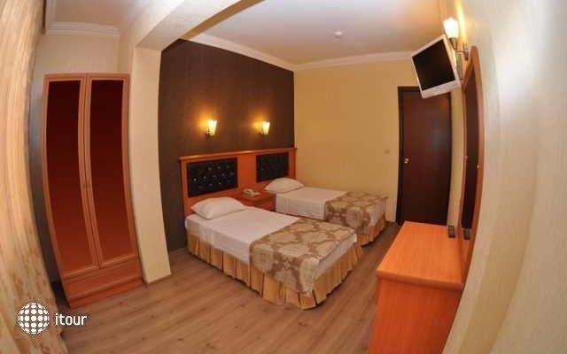 Epic Hotel 4