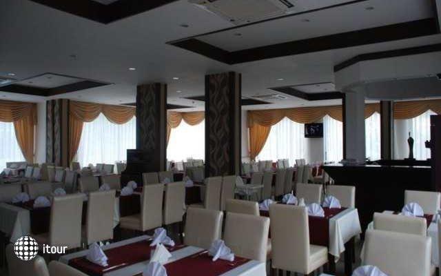 Epic Hotel 8