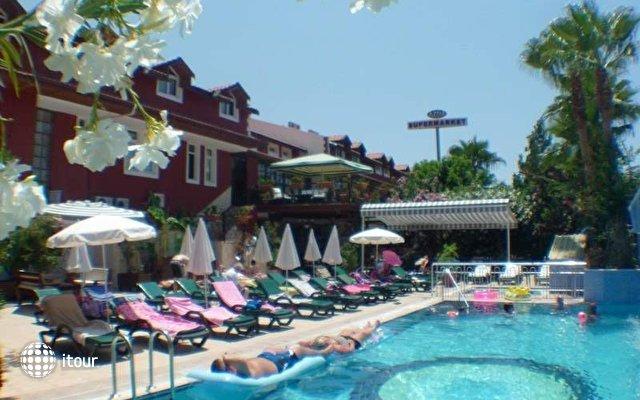 Tonoz Beach Hotel 8