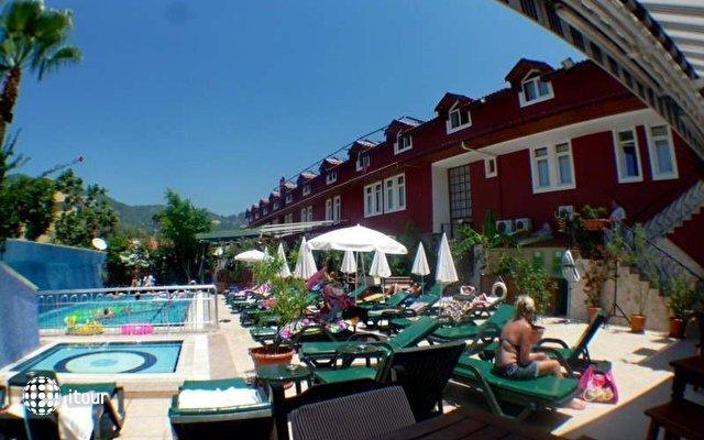 Tonoz Beach Hotel 9