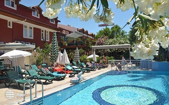 Tonoz Beach Hotel 10