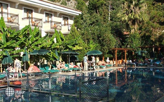 Perdikia Hotel 2