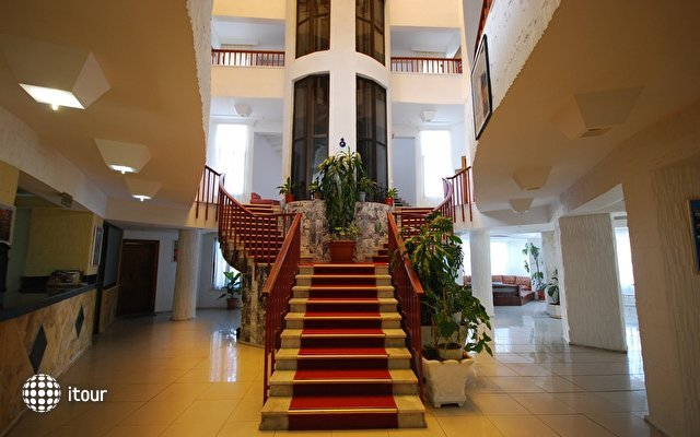 Malhun Hotel 9