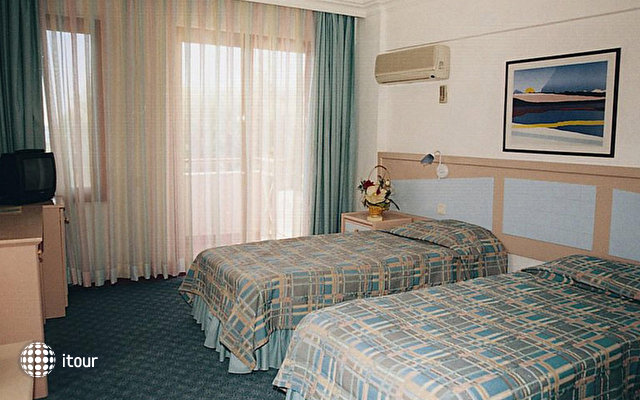 Mendos Hotel 6