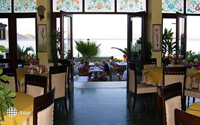 Mendos Hotel 5