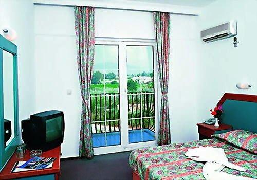 Pelin Hotel 4