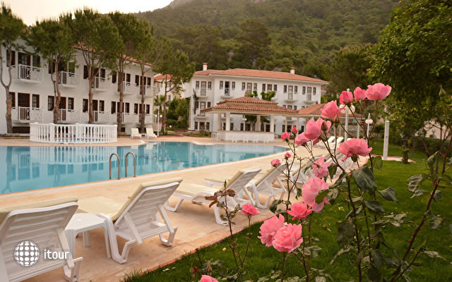 White Hotel 4